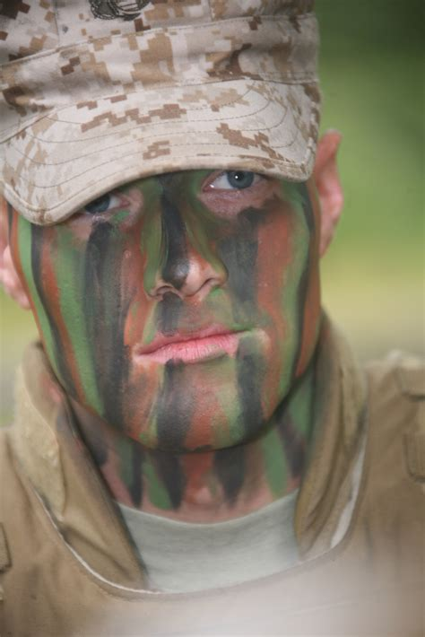 New Camouflage Face Paint Could Protect Troops' Skin From